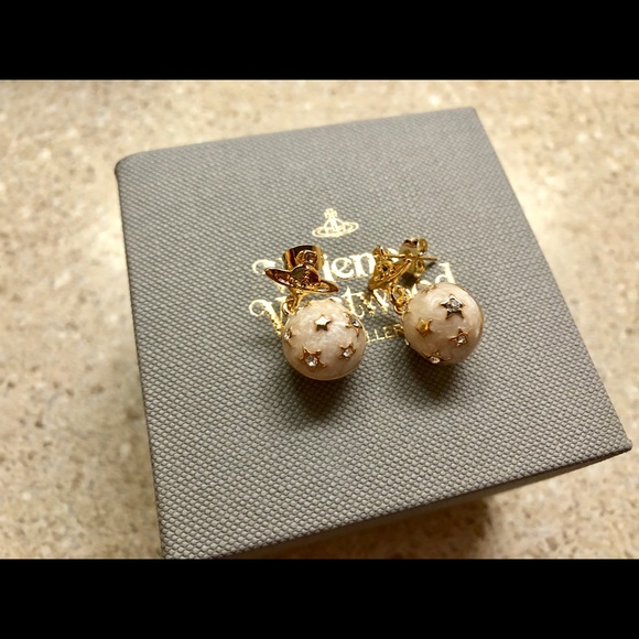 9f2bff3ea Vivienne Westwood earring brand new. M_5b417c87bb761515207920e3